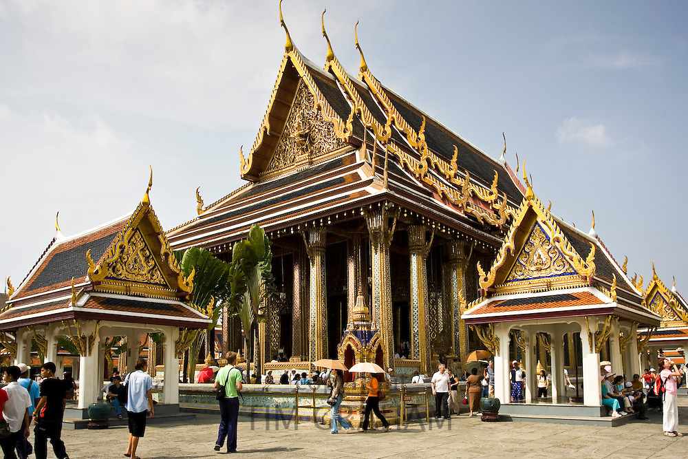 Tourists at Royal Temple of the Emerald Buddha,Wat Phra Keow, and Salarai, Bangkok, Thailand