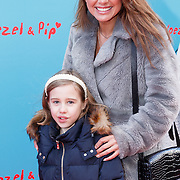 NLD/Amsterdam/20160117 - Premiere Woezel & Pip Op zoek naar de Sloddervos !, Valerie Zwikker en dochter Nicky