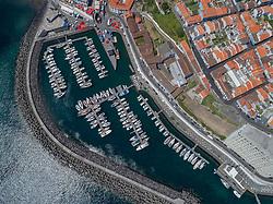 Luftaufnahme vom Hafen von Angra de Heroismo auf Terceira, Azoren / Aerial View from the Marina from Angra de Heroismo on Terceira, Acores
