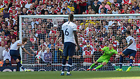 Football - 2019 / 2020 Premier League - Arsenal vs. Tottenham Hotspur<br /> <br /> Harry Kane (Tottenham FC)  score from the penalty spot to double his teams advantage at The Emirates.<br /> <br /> COLORSPORT/DANIEL BEARHAM