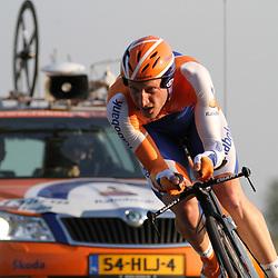 Sportfoto archief 2006-2010<br /> 2010<br /> Jos van Emden opweg naar de titel
