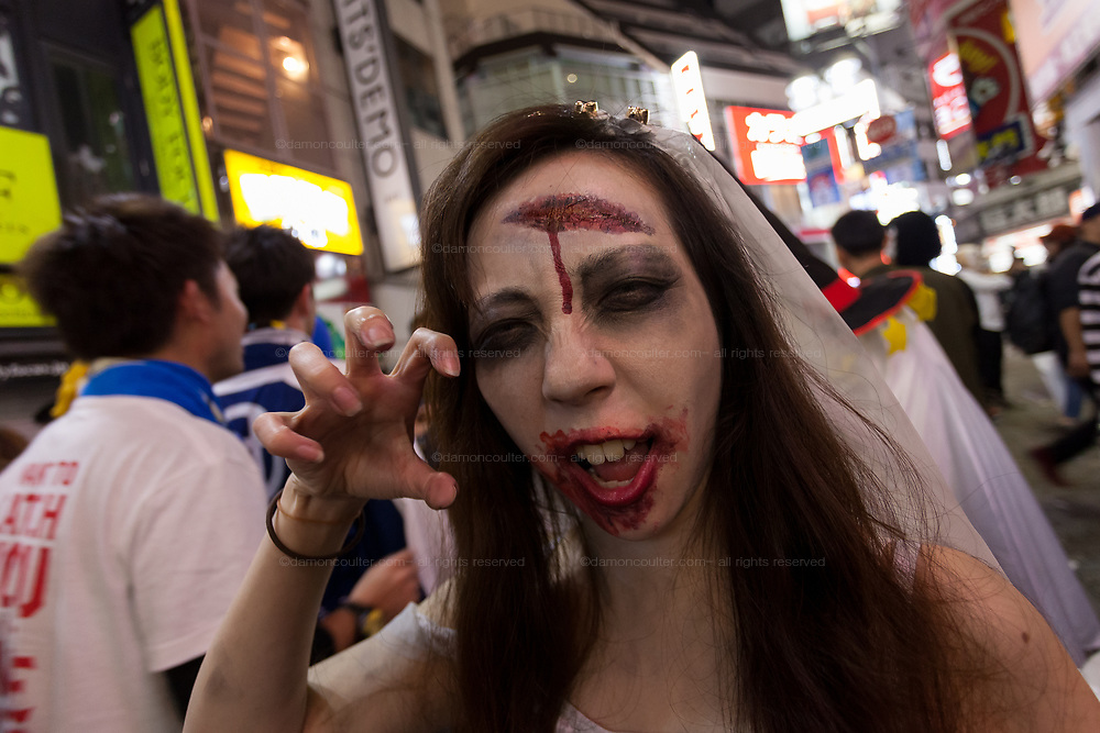 A Japanese woman dressed a as a scary bride during the Halloween celebrations Shibuya, Tokyo, Japan. Saturday October 27th 2018. The celebrations marking this event have grown in popularity in Japan recently. Enjoyed mostly by young adults who like to dress up, drink , dance and misbehave in parts of Tokyo like Shibuya and Roppongi. There has been a push back from Japanese society and the police to try to limit the bad behaviour.