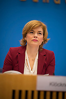 DEU, Deutschland, Germany, Berlin, 09.01.2019: Bundeslandwirtschaftsministerin Julia Klöckner (CDU) in der Bundespressekonferenz bei der Vorstellung des Ernährungsreports 2019.