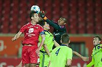 Fotball<br /> 30. September 2015<br /> UEFA YOUTH LEAUGE<br /> Brann Stadion<br /> Brann - Anderlecht<br /> Fredrik Pallesen Knudsen (L) , Brann<br /> Wout Faes (4R) , keeper Enzo D`Alberto (3R) og Kobe Cools (2R) , Anderlecht<br /> Foto: Astrid M. Nordhaug