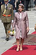 Staatsbezoek aan Luxemburg dag 1 / State visit to Luxembourg day 1<br /> <br /> Op de foto / On the photo: Welkomstceremonie bij het Palais Grand-Ducal met  Groothertogin Maria Teresa / Welcome ceremony at the Palais Grand-Ducal with Grand Duchess Maria Teresa