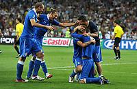 "Gioia a fine gara (Italia)<br /> Kiev 24/06/2012  ""Stadio Olimpico""<br /> Football calcio Europeo 2012 Inghilterra Vs Italia<br /> Football Calcio Euro 2012<br /> Foto Insidefoto Alessandro Sabattini"