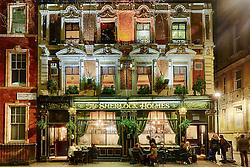 O Sherlock Holmes é um pub à moda antiga, uma  homenagem ao famoso detetive de Conan Doyle. Fazem o estilo tradicional comida de pub e tem uma grande variedade de bebidas para combinar. FOTO: Jefferson Bernardes/ Agência Preview