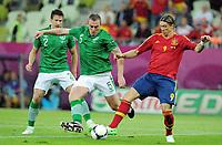Fotball , 14. juni 2012 , Euro , Spania - Irland<br /> v.l. Sean St Ledger, Richard Dunne, Fernando Torres (Spanien)<br /> Norway only