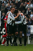 Photo: Andrew Unwin.<br />Newcastle United v Middlesbrough. The Barclays Premiership. 02/01/2006.<br />Newcastle's Lee Clark (L) congratulates Nolberto Solano (R) on his goal.