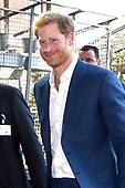 Prins Harry bij receptie ambassade Uk