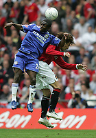 Photo: Lee Earle.<br /> Chelsea v Manchester United. The FA Cup Final. 19/05/2007.Chelsea's Shaun Wright-Phillips (L) clashes with Gabriel Heinze.