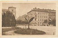 "Zagreb : Trenkova ulica. <br /> <br /> Impresum[S. l. : S. n., između 1918 i 1920].<br /> Materijalni opis1 razglednica : tisak ; 9 x 14 cm.<br /> SuradnikMarton, E.<br /> Vrstavizualna građa • razglednice<br /> ZbirkaGrafička zbirka NSK • Zbirka razglednica<br /> Formatimage/jpeg<br /> PredmetZagreb –– Ulica Baruna Franje Trenka<br /> SignaturaRZG-TRENK-5<br /> Obuhvat(vremenski)20. stoljeće<br /> NapomenaRazglednica je putovala. • Razglednica je izdana u nakladnoj seriji ""Umjetničkih zagrebačkih vazglednica"". • Razglednica je tiskana po fotografiji E. Martona.<br /> PravaJavno dobro<br /> Identifikatori000954938<br /> NBN.HRNBN: urn:nbn:hr:238:234458 <br /> <br /> Izvor: Digitalne zbirke Nacionalne i sveučilišne knjižnice u Zagrebu"