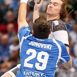 BHCs Ace Janovski (Nr.29) blockt den Angreifer im Spiel der Handballliga, Bergischer HC - THW Kiel.<br /> <br /> Foto © PIX-Sportfotos *** Foto ist honorarpflichtig! *** Auf Anfrage in hoeherer Qualitaet/Aufloesung. Belegexemplar erbeten. Veroeffentlichung ausschliesslich fuer journalistisch-publizistische Zwecke. For editorial use only.