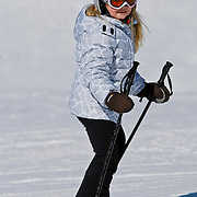 AUD/Lech/20110219 - Fotosessie Nederlandse Koninklijke Familie 2011 op wintersport in Lech, Amalia