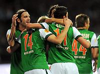 Fotball<br /> Tyskland<br /> Foto: Witters/Digitalsport<br /> NORWAY ONLY<br /> <br /> 01.10.2009<br /> <br /> 1:0 Jubel Bremen v.l. Torsten Frings, Torschuetze Aaron Hunt, Mesut Oezil<br /> <br /> Europa League SV Werder Bremen - Athletic Bilbao