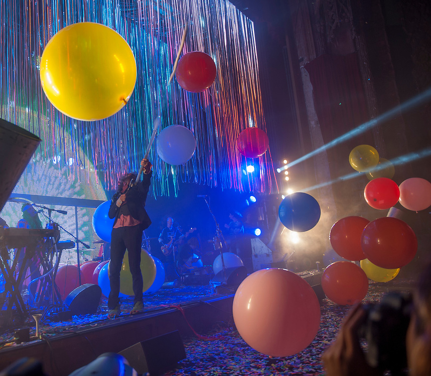 The Flaming Lips came to The Theatre at Ace Hotel in downtown Los Angeles as part of the There Should be Unicorns Tour.  Opening for the Lips was Dutch/Norwegian group Klangstof.