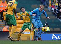 Photo: Ashley Pickering.<br />Norwich City v Coventry City. Coca Cola Championship. 24/02/2007.<br />Andrew Whing of Coventry (R) holds of Simon Lappin of Norwich