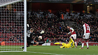 Football - UEFA 2017 / 2018 Europa League - Group H: Arsenal vs. FC BATE Borisov<br /> <br /> Theo Walcott (Arsenal FC) drives home Arsenals second goal at The Emirates.<br /> <br /> COLORSPORT/DANIEL BEARHAM