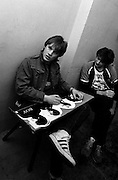 U2 - Larry Mullen with Island press officer Niel Storey  - backstage  Chicago s - USA tour - 1981