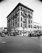 Simon 055. Manning building, SW 4th & Alder 1949