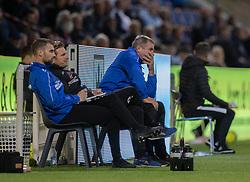 En bekymret cheftræner Kent Nielsen (Silkeborg IF) under kampen i 1. Division mellem FC Helsingør og Silkeborg IF den 11. september 2020 på Helsingør Stadion (Foto: Claus Birch).
