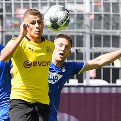27.06.2020, xmeix, 1.Fussball Bundesliga, Borussia Dortmund - TSG 1899 Hoffenheim, empor. v.l.n.r, <br /> Andrej Kramaric (TSG 1899 Hoffenheim) gegen Giovanni Reyna(Borussia Dortmund)<br /> <br /> <br /> <br /> Foto: Sascha Meiser/APF/Pool/PIX-Sportfotos<br /> <br /> Nur für journalistische Zwecke!<br /> Only for editorial use!<br /> Nutzungsbedingungen: http://poolbilder.de/nutzungsvereinbarung.pdf<br /> <br /> Foto © PIX-Sportfotos *** Foto ist honorarpflichtig! *** Auf Anfrage in hoeherer Qualitaet/Aufloesung. Belegexemplar erbeten. Veroeffentlichung ausschliesslich fuer journalistisch-publizistische Zwecke. For editorial use only. DFL regulations prohibit any use of photographs as image sequences and/or quasi-video.