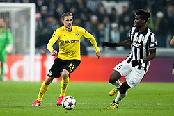 24.02.2015, Veltins Arena, Turin, ITA, UEFA CL, Juventus Turin vs Borussia Dortmund, Achtelfinale, Hinspiel, im Bild l-r: im Zweikampf, Aktion, mit Oliver Kirch #21 (Borussia Dortmund) und Paul Pogba #6 (Juventus Turin) // during the UEFA Champions League Round of 16, 1st Leg match between between Juventus Turin and Borussia Dortmund at the Veltins Arena in Turin, Italy on 2015/02/24. EXPA Pictures © 2015, PhotoCredit: EXPA/ Eibner-Pressefoto/ Kolbert<br /> <br /> *****ATTENTION - OUT of GER*****