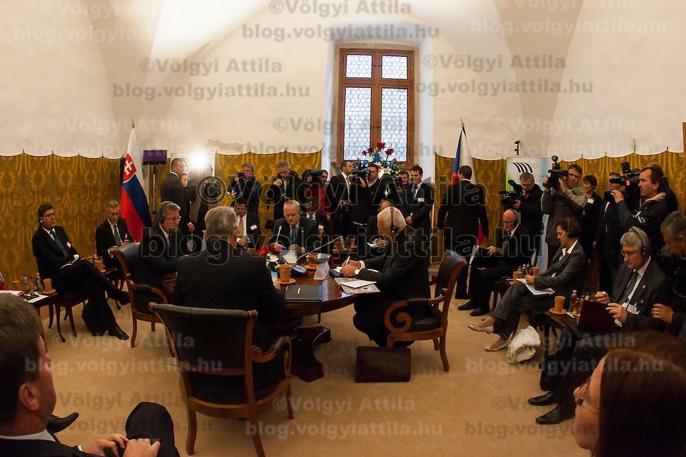 Presidents of Visegrad countries (V4), Pal Schmitt (L) of Hungary, Bronislaw Komorowski (2nd L) of Poland, Ivan Gasparovic (2nd R) of Slovakia, and Vaclav Klaus (R) of Czech Republic talk during their summit in Visegrad, 55 km (34.2 miles) north of Visegrad, Hungary on October 08, 2011. ATTILA VOLGYI