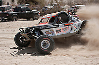 Hutchins Class 1 buggy arriving in pits at Zoo road, 2011 San Felipe Baja 250
