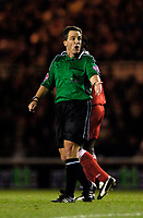 Fotball<br /> Premier League England 2004/2005<br /> Foto: SBI/Digitalsport<br /> 01.01.2005<br /> NORWAY ONLY<br /> <br /> Middlesbrough v Manchester United<br /> <br /> Referee Alan Wiley got on the nerves of the home fans with some decisions.