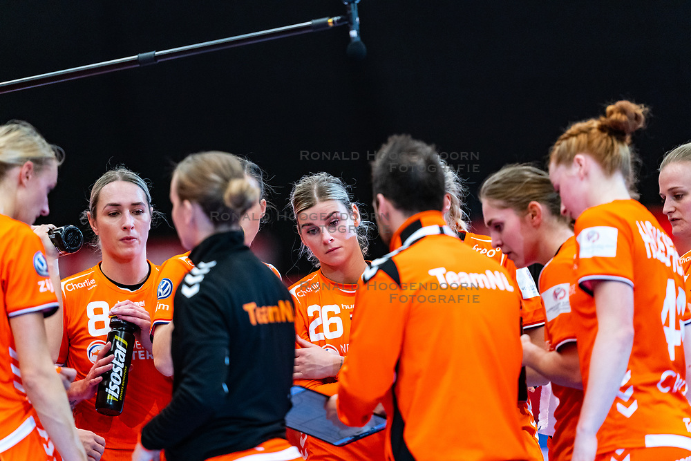 Lois Abbingh of Netherlands, Angela Malestein of Netherlands, Laura Van Der Heijden of Netherlands during the Women's EHF Euro 2020 match between Croatia and Netherlands at Sydbank Arena on december 06, 2020 in Kolding, Denmark (Photo by RHF Agency/Ronald Hoogendoorn)