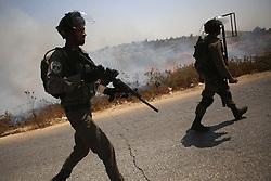 07.08.2015, Ramallah, PSE, Nahostkonflikt zwischen Israel und Palästina, im Bild Israelische Sicherheitskräfte // Israeli security forces take position during clashes with Palestinian protesters following a protest against Jewish settlements and the expropriation of Palestinian land, Palestine on 2015/08/07. EXPA Pictures © 2015, PhotoCredit: EXPA/ APAimages/ Shadi Hatem<br /> <br /> *****ATTENTION - for AUT, GER, SUI, ITA, POL, CRO, SRB only*****