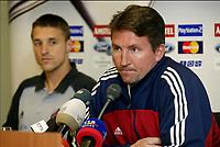 Fotball<br /> UEFA Champions League 2003/2004<br /> 30.09.2003<br /> Foran kampen Ajax v Brugge / Brügge<br /> Foto: Digitalsport<br /> Norway Only<br /> <br /> TROND SOLLIED & TIMMY SIMONS