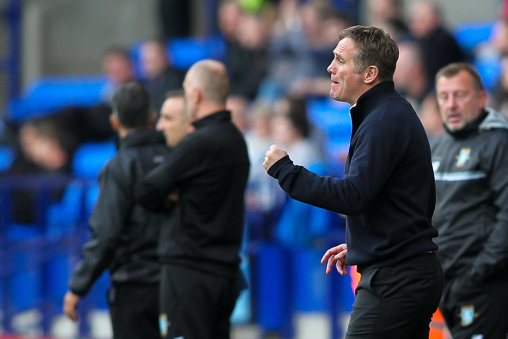 Bolton Wanderers' manager Phil Parkinson urges his players on<br /> <br /> Photographer Andrew Kearns/CameraSport<br /> <br /> The EFL Sky Bet Championship - Bolton Wanderers v Sheffield Wednesday - Saturday 14th October 2017 - Macron Stadium - Bolton<br /> <br /> World Copyright © 2017 CameraSport. All rights reserved. 43 Linden Ave. Countesthorpe. Leicester. England. LE8 5PG - Tel: +44 (0) 116 277 4147 - admin@camerasport.com - www.camerasport.com