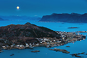 Full moon over Remøy, Norway | Fullmåne over Remøy.
