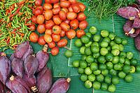Laos, Province de Luang Prabang, ville de Luang Prabang, Patrimoine mondial de l'UNESCO depuis 1995, marche aux legumes // Laos, Province of Luang Prabang, city of Luang Prabang, World heritage of UNESCO since 1995, vegetable market