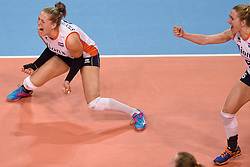 04-01-2016 TUR: European Olympic Qualification Tournament Nederland - Duitsland, Ankara <br /> De Nederlandse volleybalvrouwen hebben de eerste wedstrijd van het olympisch kwalificatietoernooi in Ankara niet kunnen winnen. Duitsland was met 3-2 te sterk (28-26, 22-25, 22-25, 25-20, 11-15) / Femke Stoltenborg #2, Maret Balkestein-Grothues #6