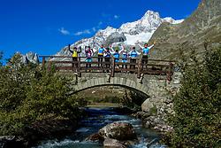 16-09-2017 FRA: BvdGF Tour du Mont Blanc day 7, Beaufort<br /> De laatste etappe waar we starten eindigen we ook weer na een prachtige route langs de Mt. Blanc / John, Marcos, Nicole, Xander, Carlos, Marion, Tjebbe, Eelco