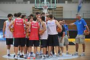DESCRIZIONE : Trento Primo Trentino Basket Cup Nazionale Italia Maschile <br /> GIOCATORE : team<br /> CATEGORIA : allenamento<br /> SQUADRA : Nazionale Italia <br /> EVENTO :  Trento Primo Trentino Basket Cup<br /> GARA : Allenamento<br /> DATA : 25/07/2012 <br /> SPORT : Pallacanestro<br /> AUTORE : Agenzia Ciamillo-Castoria/M.Gregolin<br /> Galleria : FIP Nazionali 2012<br /> Fotonotizia : Trento Primo Trentino Basket Cup Nazionale Italia Maschile<br /> Predefinita :