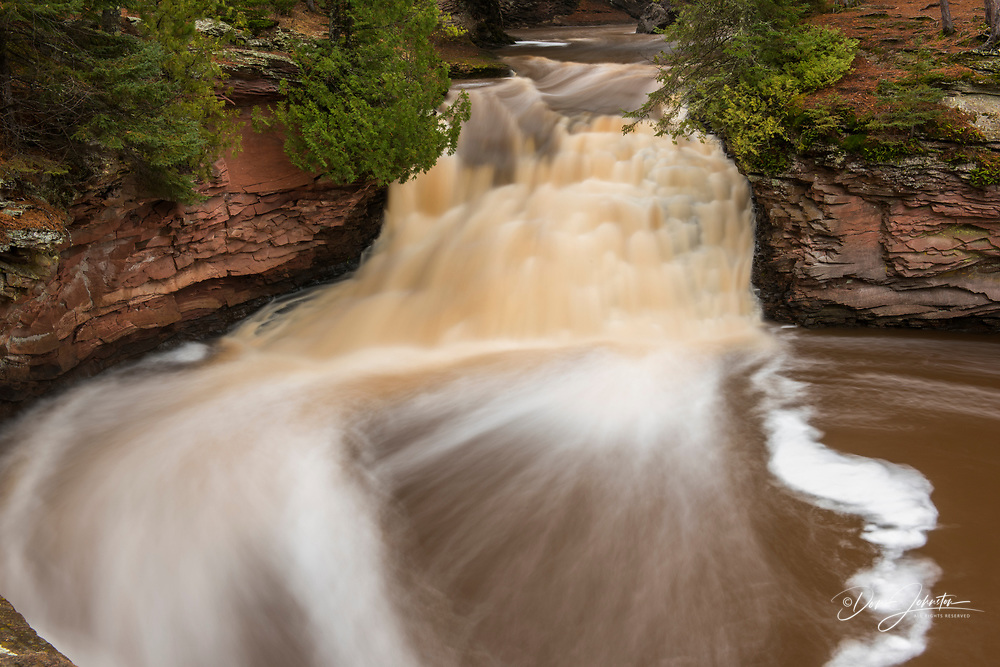 Lower falls of the Amnicon River, Amnicon Falls State Park, Wisconsin, USA