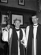 02/02/1954<br /> 02/02/1954<br /> 02 February 1954<br /> Consecration of new Bishop of Killaloe at Christchurch Cathedral, Dublin. <br /> Most Rev. Dr. Arthur Barton, D.D.,  Archbishop of Dublin at Christ Church Cathedral with the new Bishop of Killaloe the Venerable Richard Perdue, B.D.
