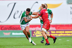 Marco Zanon of Benetton Treviso evades the tackle of James Davies of Scarlets<br /> <br /> Photographer Craig Thomas/Replay Images<br /> <br /> Guinness PRO14 Round 3 - Scarlets v Benetton Treviso - Saturday 15th September 2018 - Parc Y Scarlets - Llanelli<br /> <br /> World Copyright © Replay Images . All rights reserved. info@replayimages.co.uk - http://replayimages.co.uk