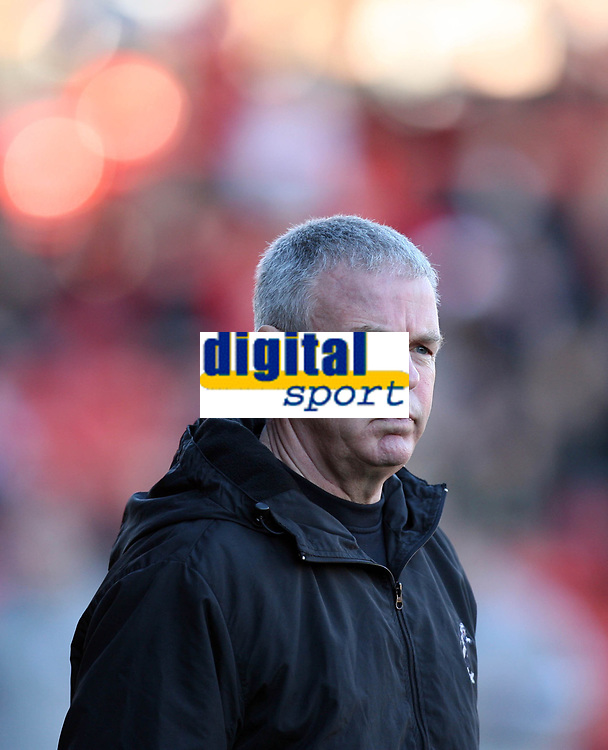 Photo: Rich Eaton.<br /> <br /> Bristol City v Millwall. Coca Cola League 1. 16/12/2006. Willie Donachie, manager of Millwall pictured as his team lose 1-0 at Bristol