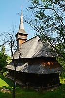 Roumanie,region de Maramures, Carpates, eglise en bois de Poienile Izei. Patrimoine mondial de l'Unesco. // Romania, Maramures, Carpates, wooden church of Poienile Izei. Unesco world heritage.
