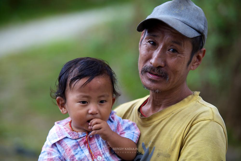 Чи існує щось більш святе у світі, ніж тримати на руках<br /> свою дитину, відчуваючи серцем її душу?