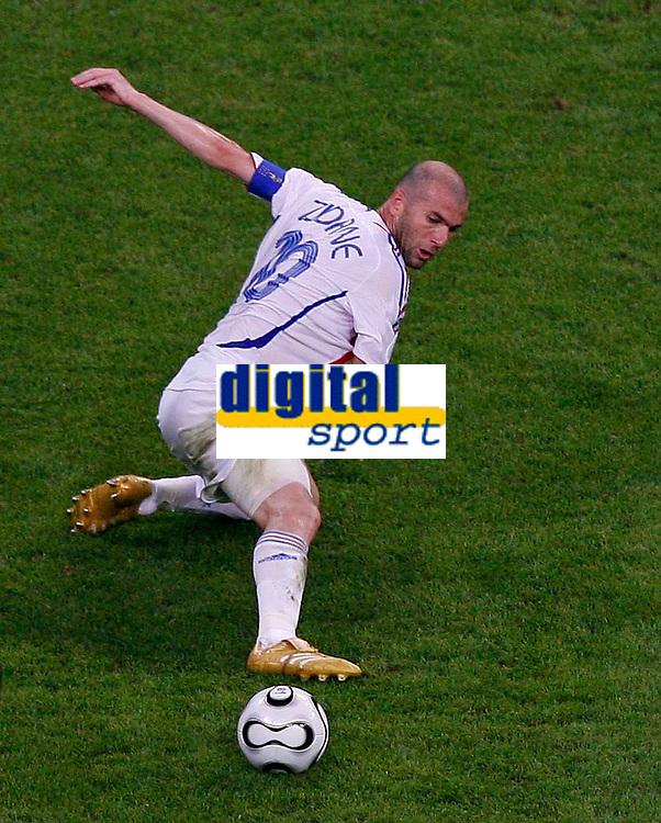 Photo: Glyn Thomas.<br />Portugal v France. Semi Final, FIFA World Cup 2006. 05/07/2006.<br /> France's Zinedine Zidane.
