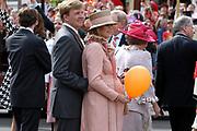 On Queensday, april 30th the Queen attends the celebrations of Queensday in Scheveningen near the Hague.<br /> This is her 25th jubilee.<br /> <br /> Op Koninginnedag, 30 april, is de Koningin  's Middags aanwezig metn en haar familie het koninginnedagfeest mee te vierten in Scheveningen.<br /> <br /> On The photo / On the Photo;<br /> <br /> <br /> Princes Maxima and Prince Willem Alexander / Princes Maxima en Prins Willem Alexander