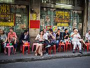 10 JANUARY 2014 - BANGKOK, THAILAND:     People eat at a street side curry stall in Bangkok.   PHOTO BY JACK KURTZ