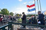 Nederland, Overasslt, Nederasselt, Heumen, 4-5-2019 Dodenherdenking voor de slachtoffers van de 2e wereldoorlog en ook uit conflicten daarna. De herdenking vond plkaats bij het monument van de parachutisten die hier gedropt werden in 1944 om de brug bij Grave te veroveren tijdens operatie Market Garden. . Foto: Flip Franssen