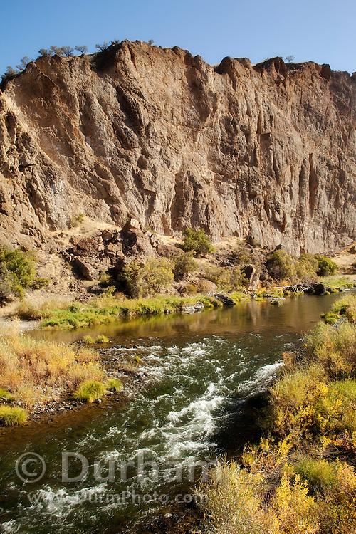 Goose rock above the John Day River in the John Day Fossil Beds National Monument, Oregon.